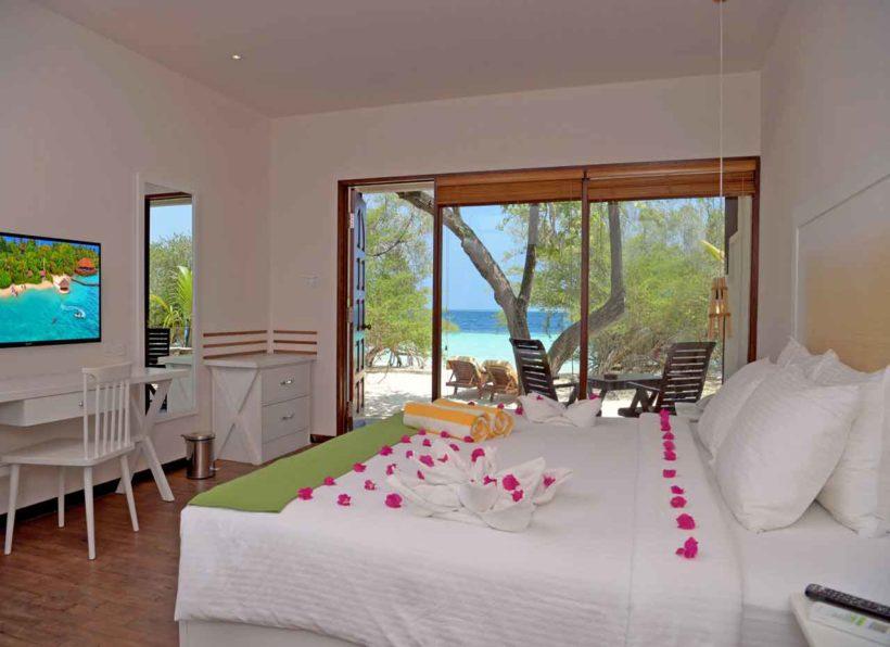 Eriyadu Island Resort Deluxe Beach Villa