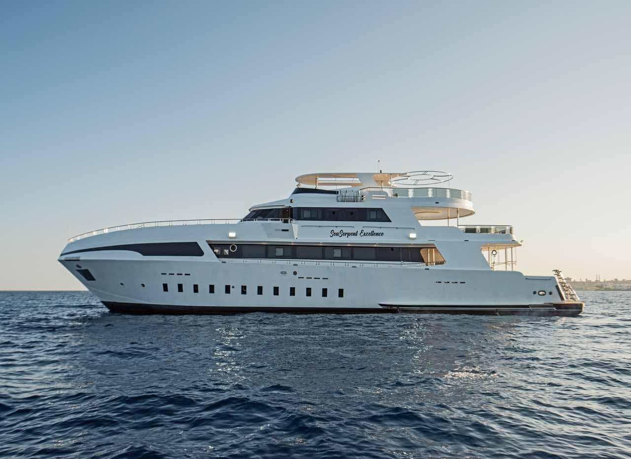 MV Sea Serpent Excellence Backbord