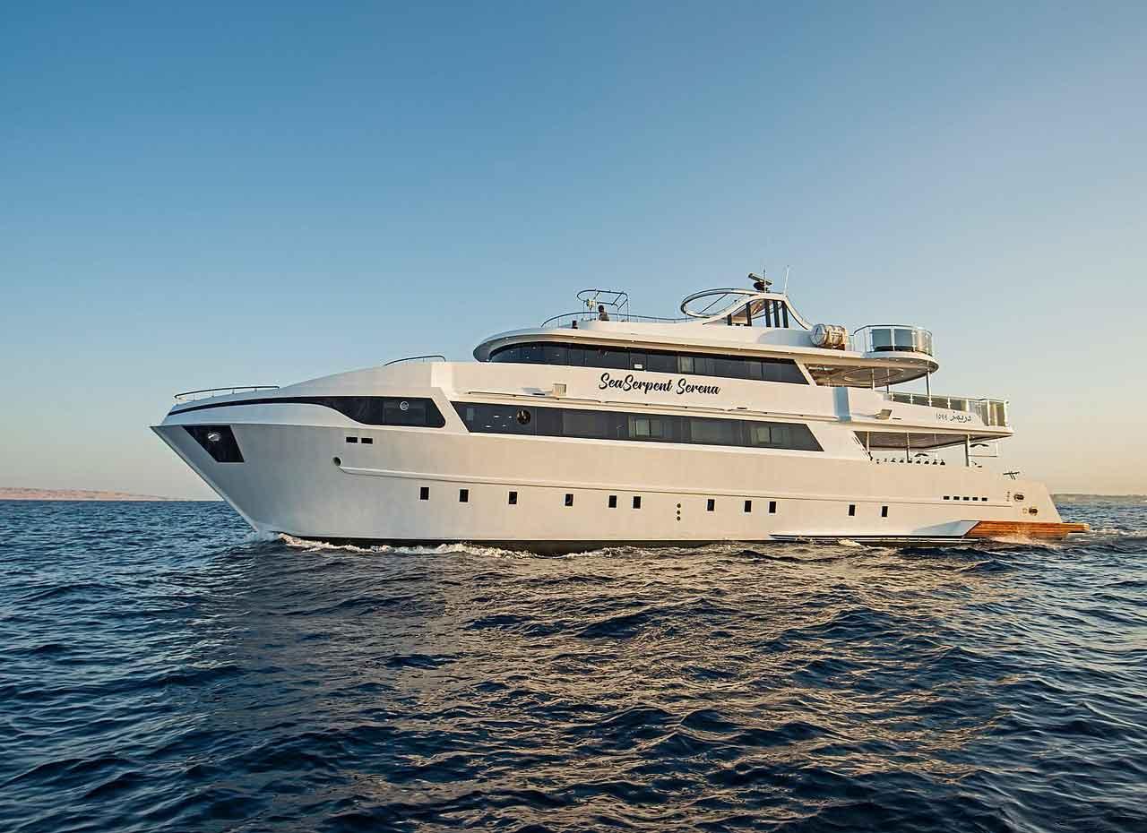 MV Sea Serpent Serena Backbord