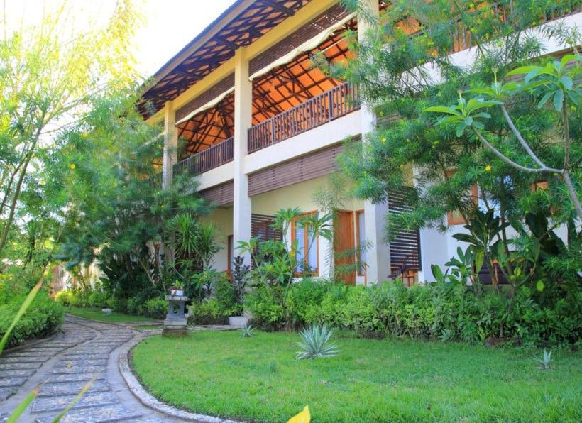 Puri Sari Beach Hotel Flores