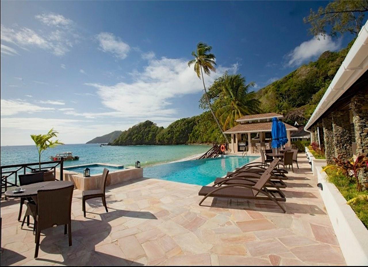 Blue waters inn resort tobago speyside orca for Schickes hotel
