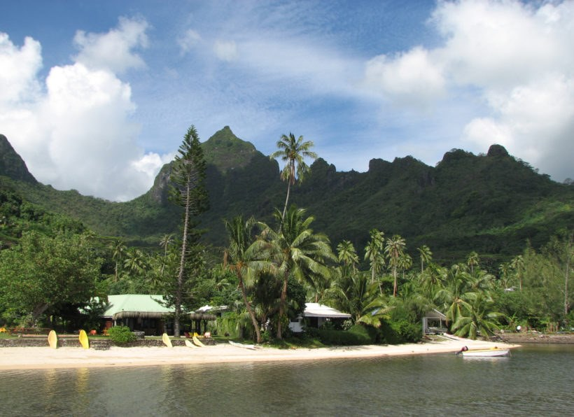 Linareva Moorea Beach Resort