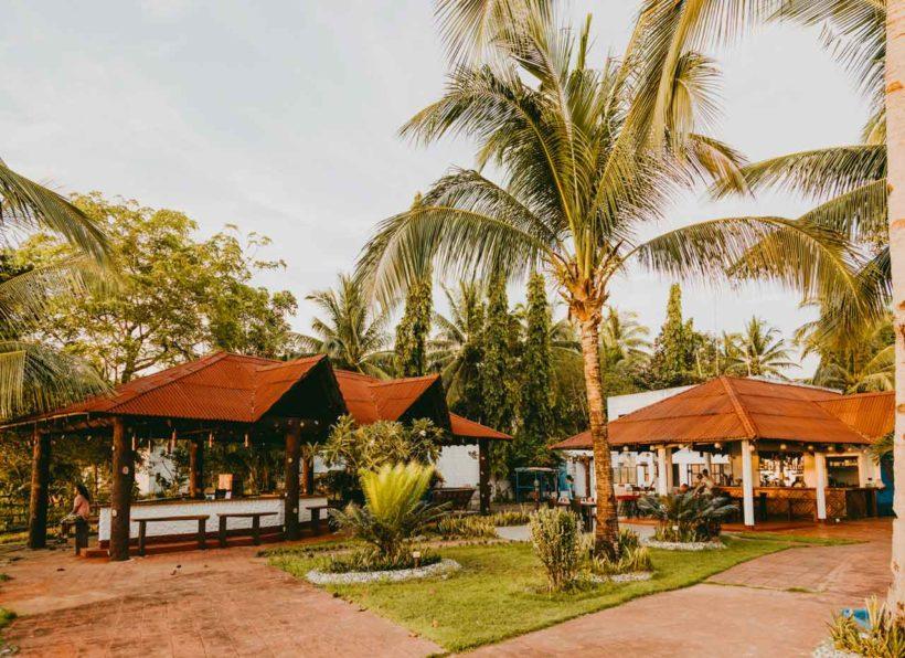 Apo Reef Club Restaurant & Bar