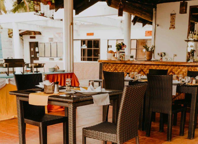 Apo Reef Club Restaurant