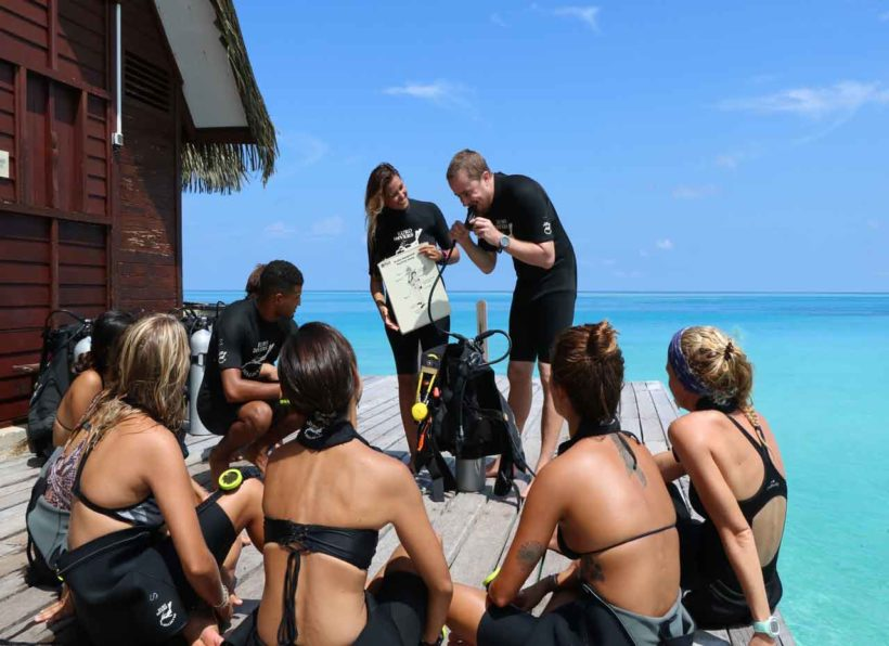 Euro Divers Eriyadu Briefing