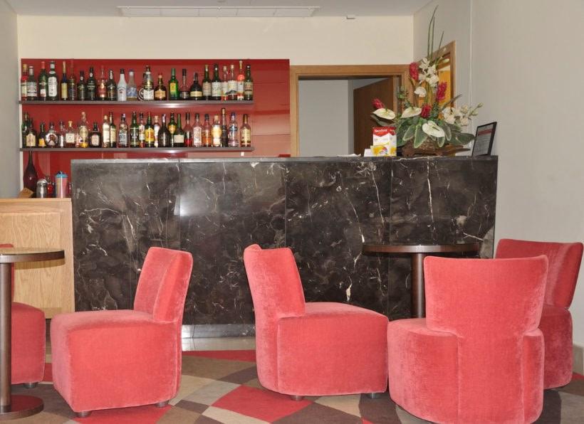 Hotel Caravelas Bar