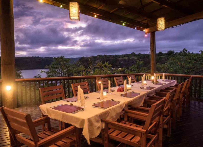 PG_Tufi_Resort_Restaurant_abends