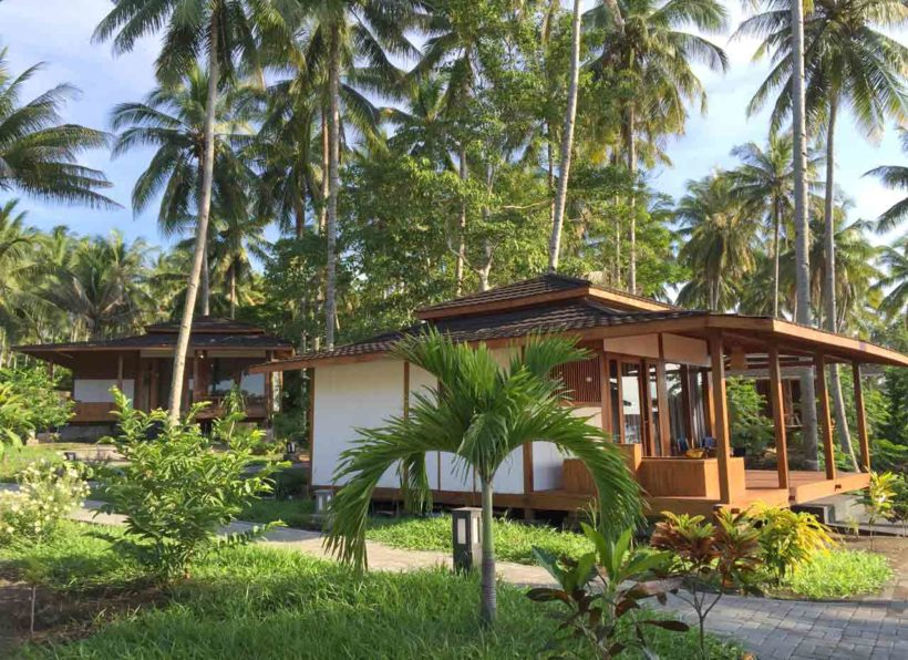 Dive Into Lembeh Sea View Bungalow