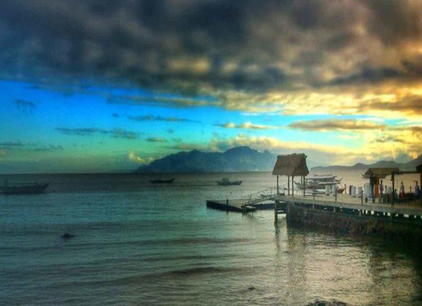 Asia Divers Bucht in der blauen Stunde