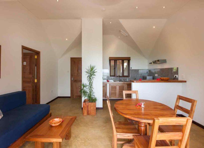 L'Hirondelle Guesthouse