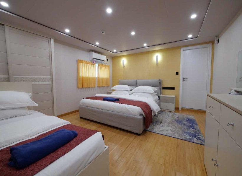 MV Emperor Explorer Main deck suite Kabine