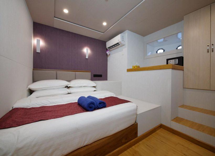 MV Emperor Explorer unteres Deck Doppelkabine Ansicht auf Bett