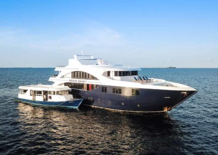 MV Emperor Serenity Liegen auf dem Deck