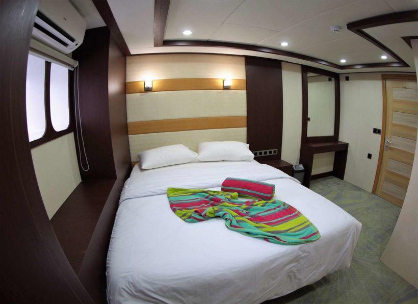 MV-Emperor-Serenity-unteres-Deck-Kabine-mit-Doppelbett