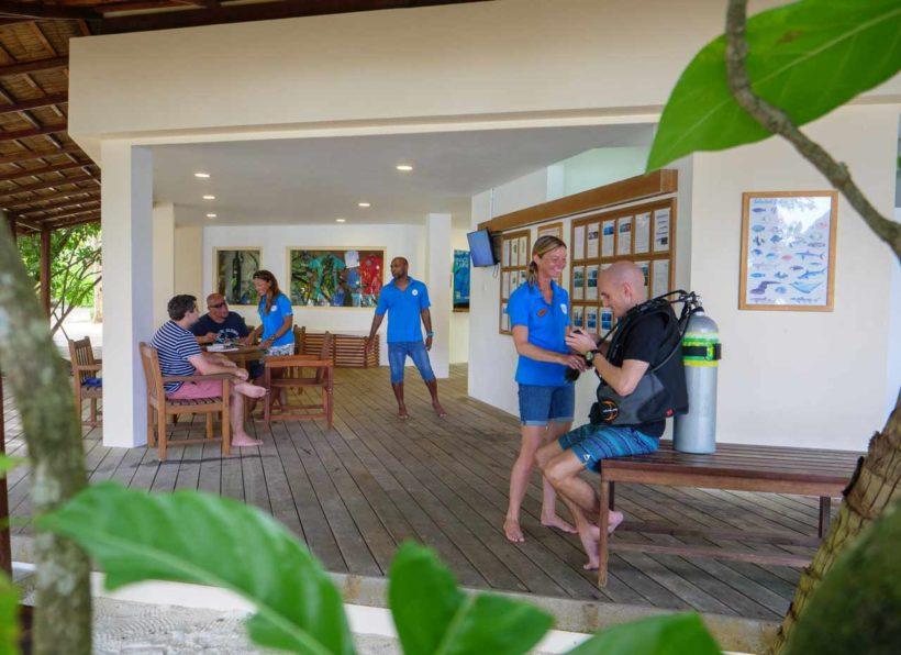 Mirihi Ocean Pro Diving Tauchcenter und Mitarbeiter